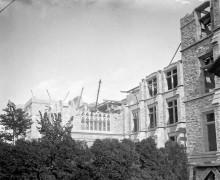 Building Victoria Museum - 4 - Apr 1899-1