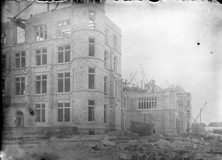 Building Victoria Museum - 6 - Apr 1899-1
