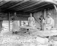Building Victoria Museum - Stone cutters at work - 8 - Apr 1899