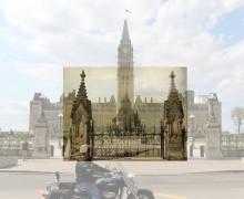 ParliamentHillFrontGate-1916-e-blend