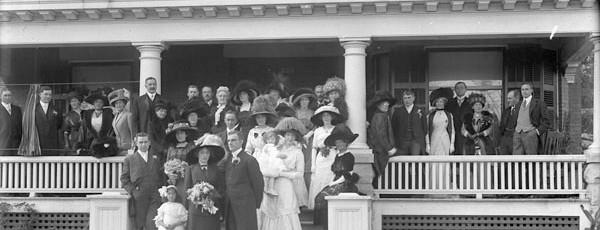Miss Gwen Clemows wedding Group Sept 1910
