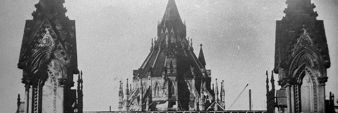 ParliamentHillFrontGate-1916-a-1